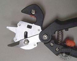 Grafting tool open